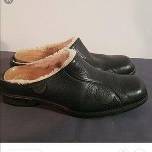 UGG mules/clogs size 8.5, black, euc
